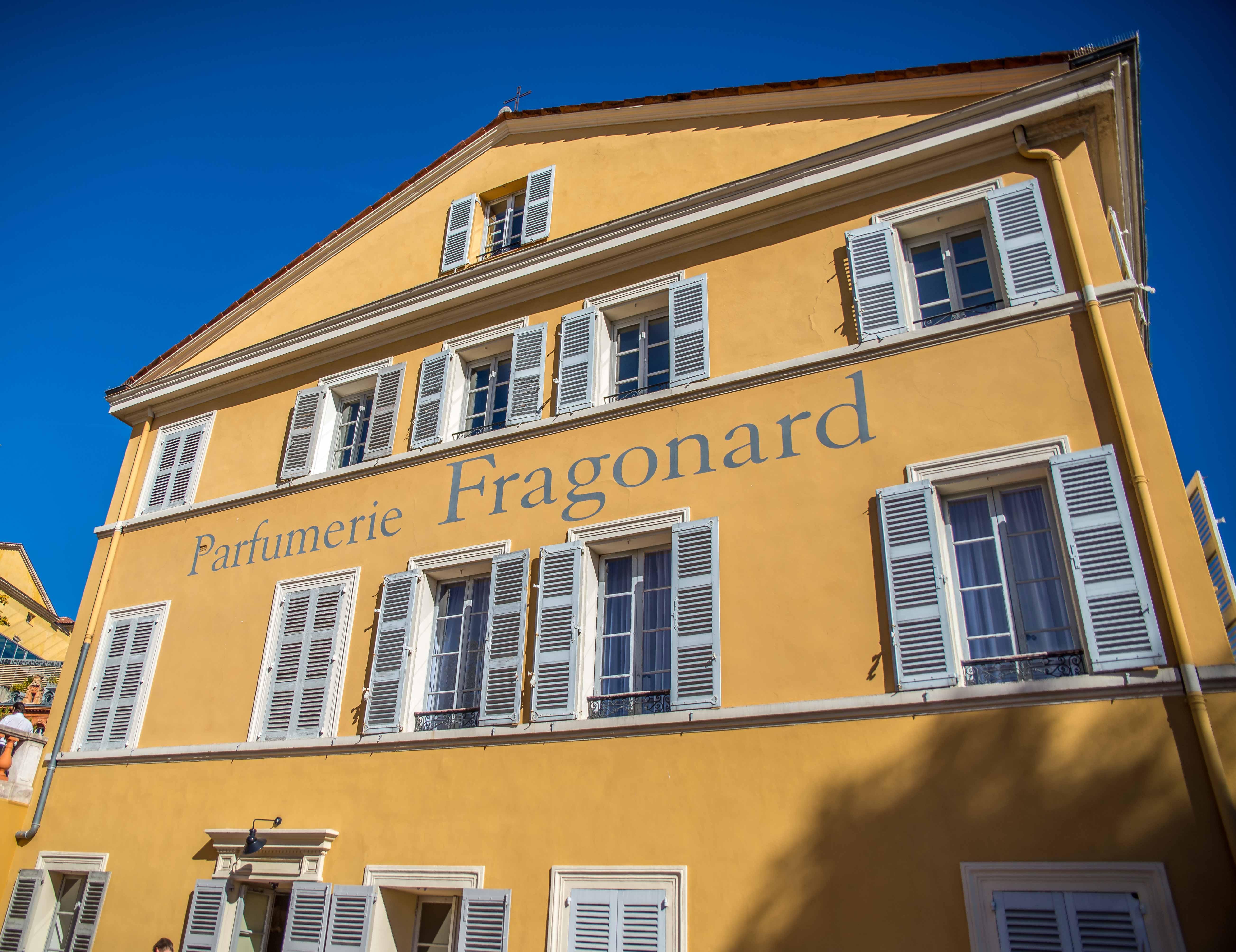 Fragonard parfumeur de l gende grasse ici et l bas for Maison du monde grasse
