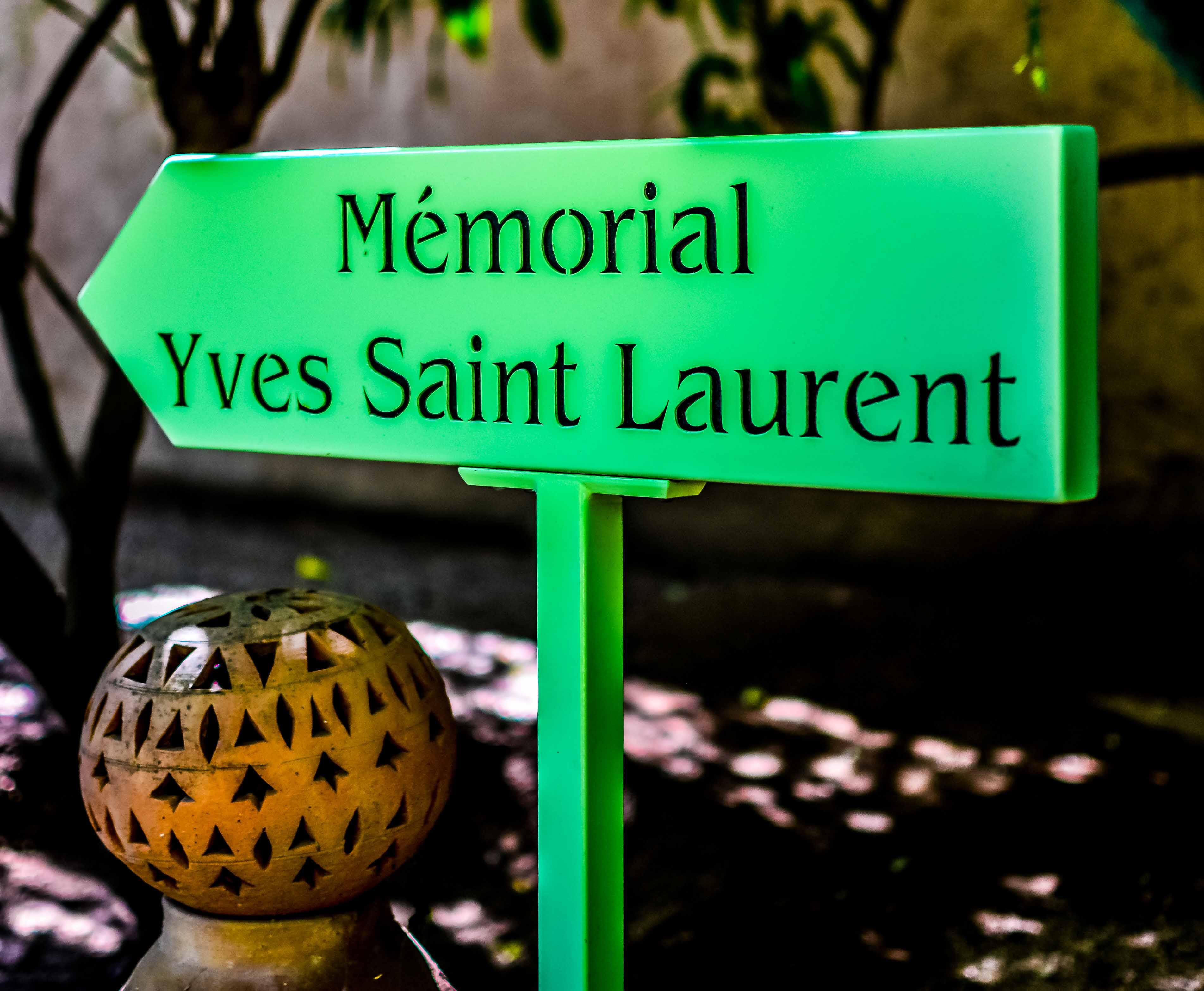 Marrakech jardin majorelle maroc bleumajorelle bleu for Jardin yves saint laurent maroc